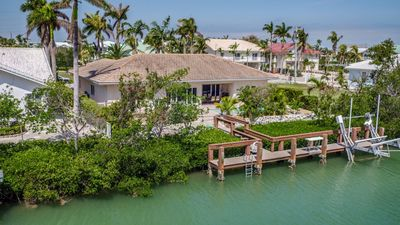 Sunrise Retreat 3bed/2bath with private pool & dockage