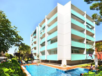 Photo for One bedroom Apartment, sleeps 5 with Pool, Air Con and Walk to Beach & Shops