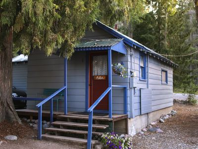 Photo for Quaint cabin with private beach access on Flathead Lake