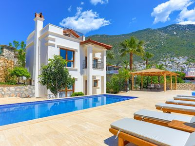 Photo for Eos: Private pool, stunning views, A/C, Wi Fi