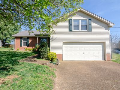 Photo for Plenty of room to gather! Close to downtown Franklin. Huge bonus room