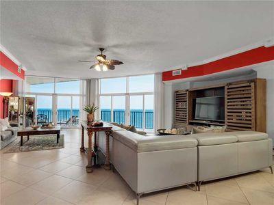 Penthouse, 2500 sqft, Wrap-Around Balconies, 10' Ceilings, Restricted Access Floor, Gulf Front Pool