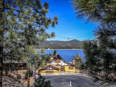 Photo for House in the center of Big Bear Lake with Parking, Internet, Balcony (983537)