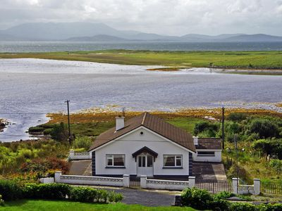 Photo for Detached bungalow (near to 271) in fine location enjoying extensive views over island studded…