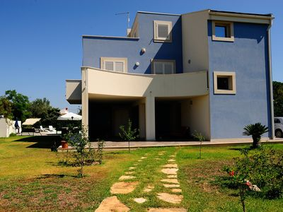 Photo for Villa at 800 mt. from the sea with swimming pool, Arenella Siracusa, attic