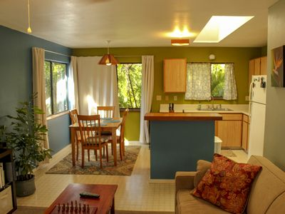 Photo for Cute detached ohana at great elevation close to beaches and airport