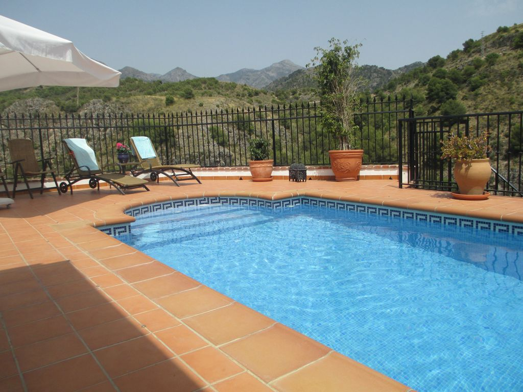 Casa Brandt: Townhouse with private pool, stunning mountain ...