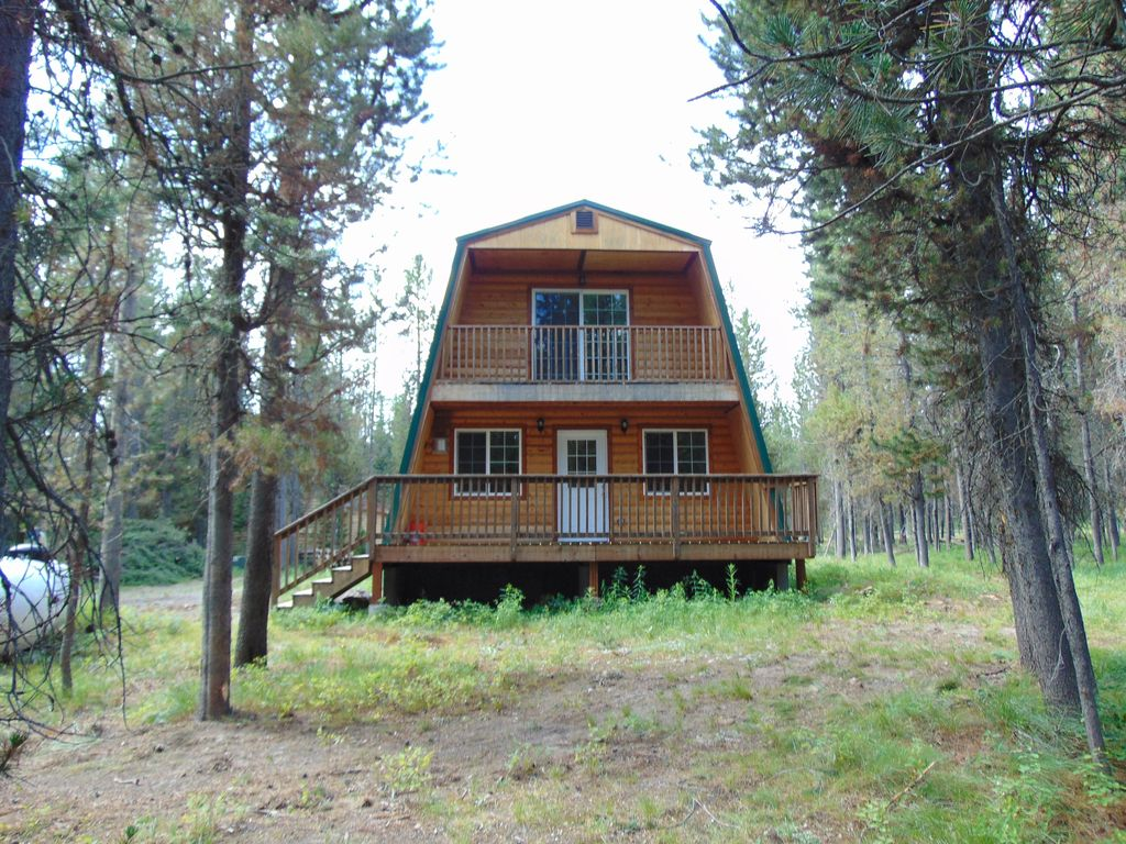 Cute modified a frame cabin surrounded by national forest for Modified a frame cabin