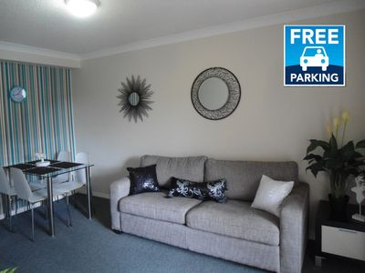 Photo for 1-bedroom unit & parking. Short walk from City, SouthBank parklands & galleries