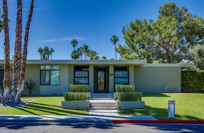 Photo for Mid-Century Modern on Indian Canyon Golf Course -- Fabulous Mountain Views!
