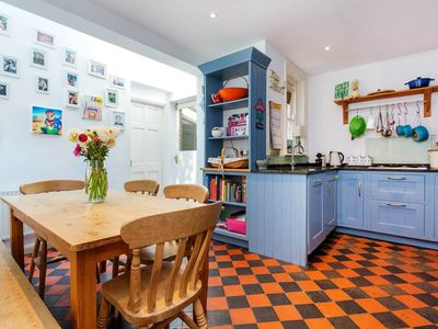 Photo for Characterful family home in Fulham, close to the River Thames (Veeve)