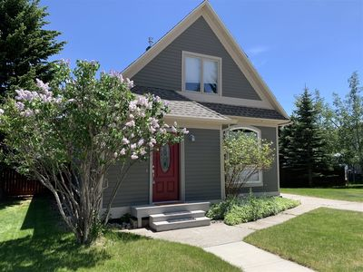 Photo for Harvest Moon is residential gem is quaint, cozy, and within a 6-7 blocks to downtown Red Lodge! Brin