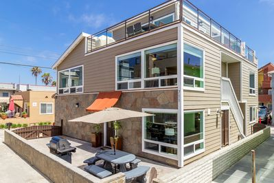 Spacious Patio in front of the house with wonderful ocean view