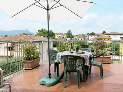 Photo for Apartment La Rondine (LUU280) in Lucca - 4 persons, 2 bedrooms