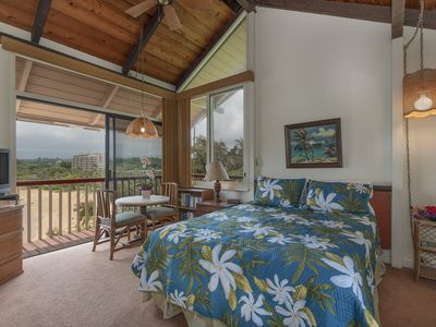 Typical Hawaiian Beach studio with Marriott pool pass included