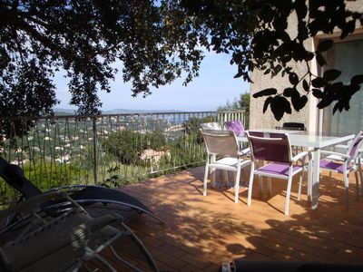 Photo for Ocean view apartment in villa located in the quietness of the hills