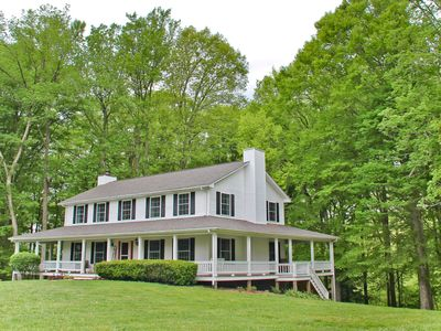 Rustic farmhouse on secluded lakefront & Close to marina! Renovated and Updated!
