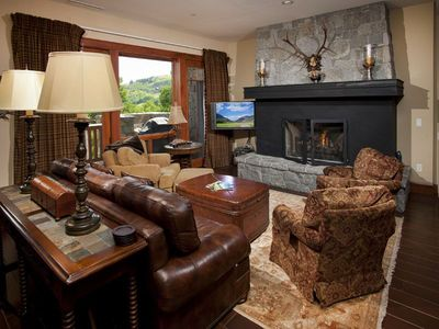 Fabulous and spacious condo in Bachelor Gulch, with access to great amenities.