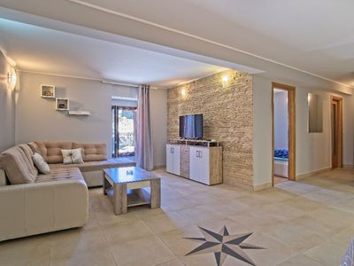 Photo for Nikola apartment in Veli Lusinj with WiFi & air conditioning.