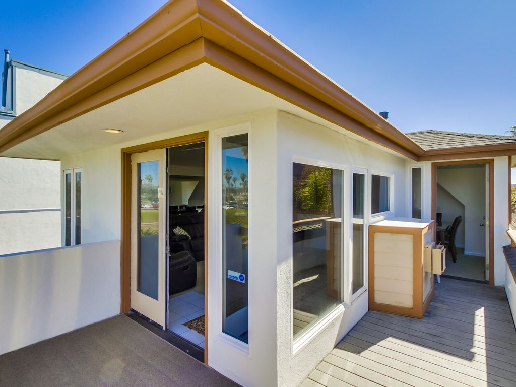 New listing brand new remodel w 3rd story ocean view deck for Modern view decking