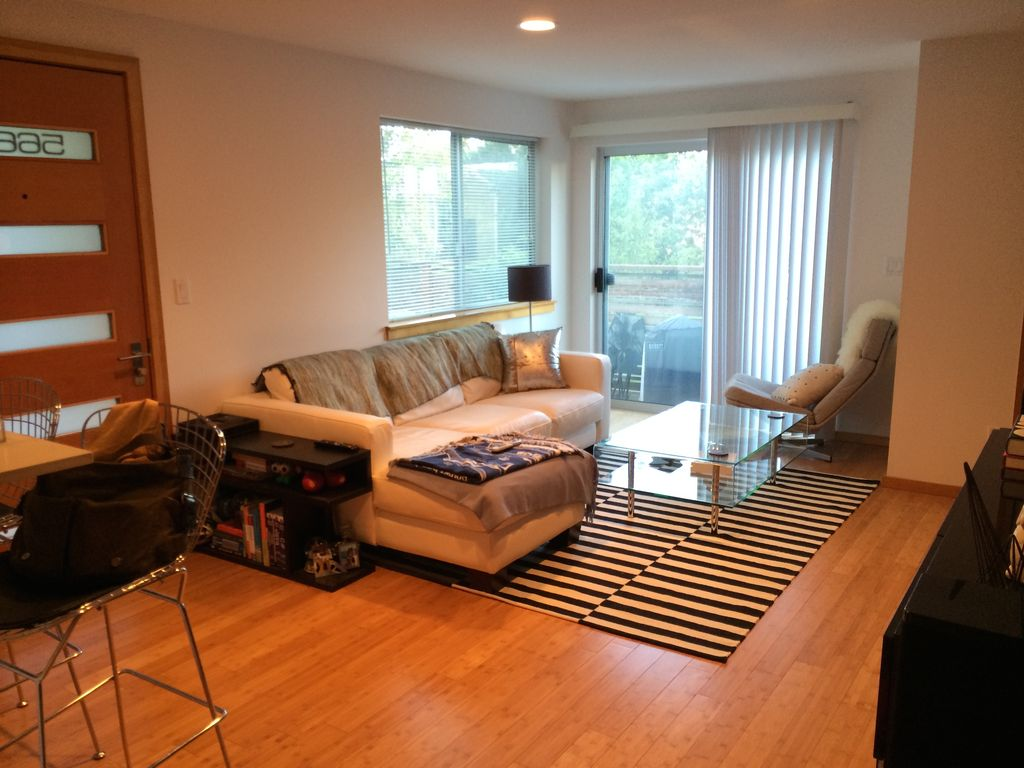 Walking distance to Space Needle, Lake Union, and right on the bus line
