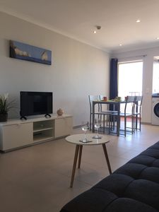 Photo for Bright and welcoming one bedroom apartment (T1) 150 metres from Praia da Rocha