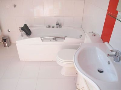 Photo for Apartment with 2 bedrooms and 2 bathrooms for 8 persons