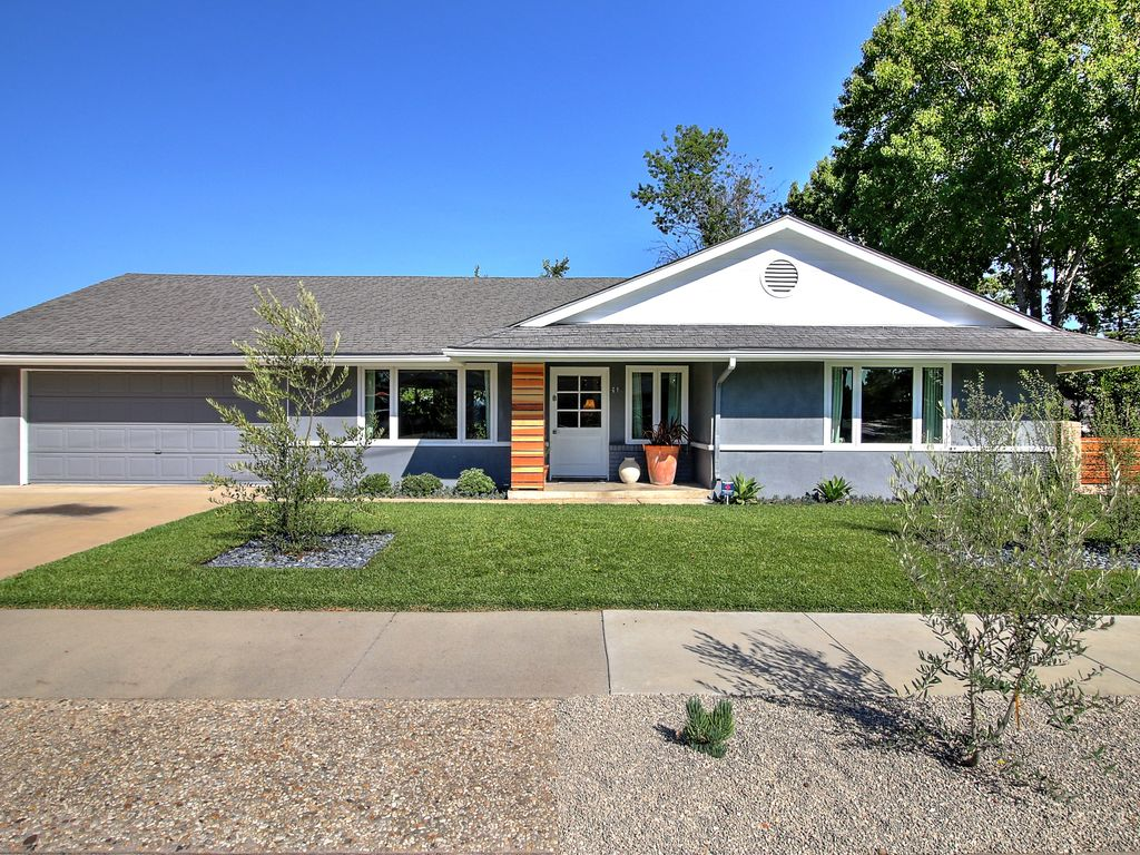 Modern ranch style house 2 blocks from lake los carneros - What is a ranch house ...