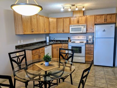 Photo for Bright 2 bed 2 bath with U/G parking, public transit 1 min away