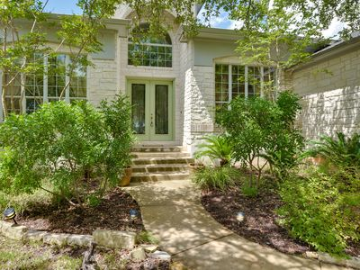 Photo for Spacious Hill Country retreat in  Dripping Springs 4 br/4 ba; can sleep 14