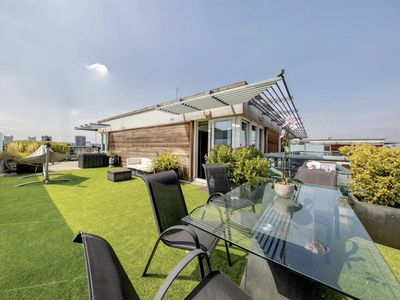 Photo for Chic 2 Bed Penthouse w/Rooftop Terrace in Clapham