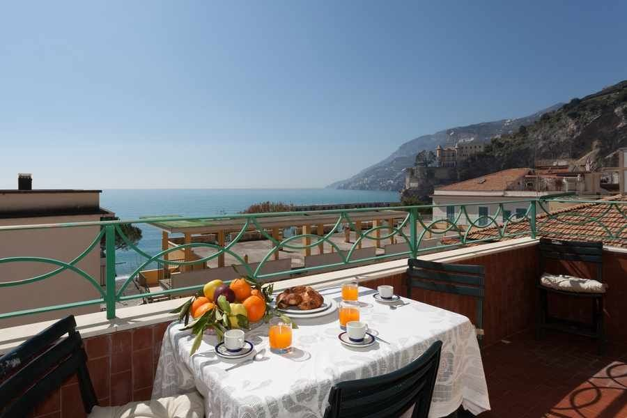 Holiday Vacation Apartment Rental Italy Amalfi Coast Maiori Air Conditioning Wi Fi Internet Views Walk To Town Sh