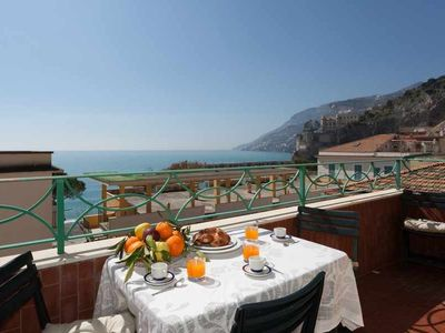 Photo for holiday vacation apartment rental italy, amalfi coast, maiori, air conditioning, wi-fi internet, views, walk to town, sh