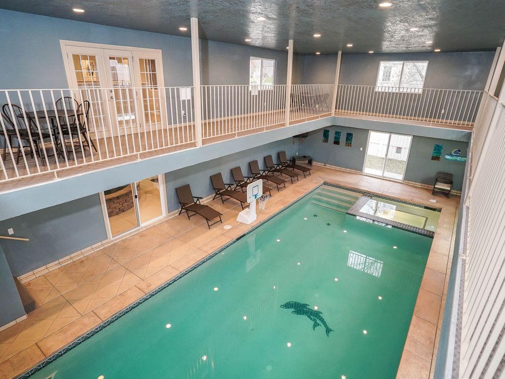 Indoor Pool House from $800/nt) large 9br 10,000sf poolhous - vrbo