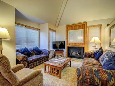 Photo for Hidden Creek 1B: 2 bedroom with 2 lofts. Walk to the Cabriolet lift