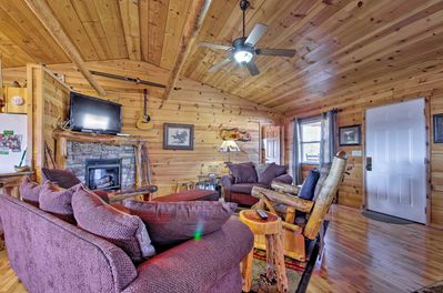 Find some peace and quiet in this Mountain View vacation rental!