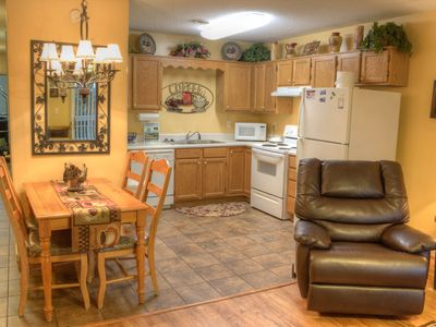 "Photo for 1 BR • Sleeps 4 • 47"" TV • Hardwood • Dollywood Tkt • City View"