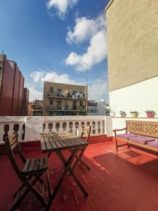 Photo for Penthouse with 1 bedroom and private terrace in the Barrio de Poble Sec