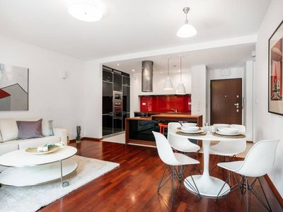 Photo for American Soho style apartment 10 min walk to the Old Town