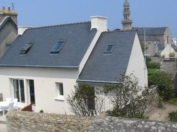 Very nice 3-star furnished holiday home on OUESTANT island in Lampaul