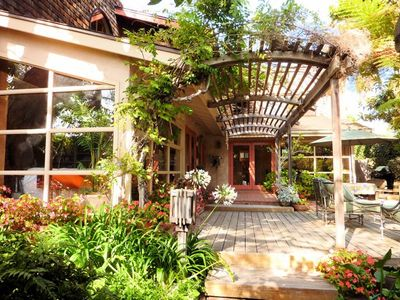 Entry to the Artist Beach Retreat with large private courtyard