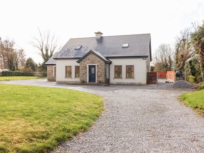 Photo for Urrohogal Cottage, FARRANFORE, COUNTY KERRY