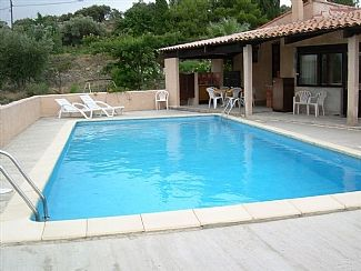 Pool & barbeque