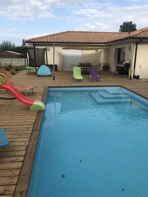 Photo for Large house in the heart of the Medoc vineyards just 30 minutes from the ocean beaches