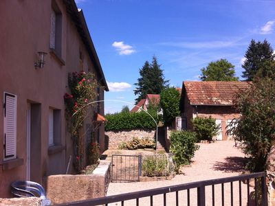 Photo for 2 Bed French house in beautiful Burgundy