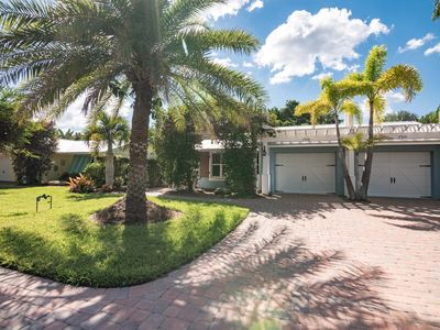 Cozy Island Home Right Around the Corner from Gulf Beaches - Lots of Amenities!