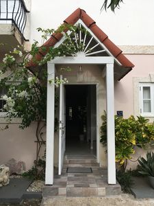 Holiday Villa, 30 Porter's Gate- Stylish 3 bedroom townhouse with community pool