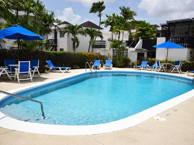 Photo for Warm 2-Bed Apartment Walking Distance to Beach