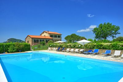 Independent villa with private pool