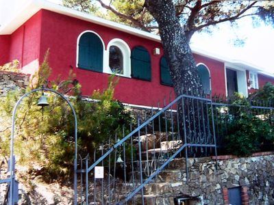 Photo for Charming Italian villa in a stunning location 200m above the sea